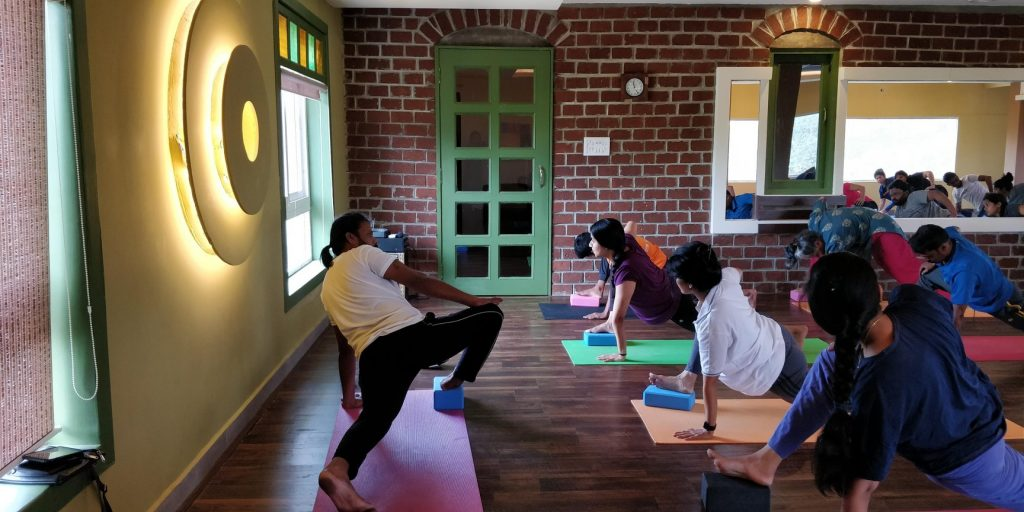 How to Find the Best Yoga Teacher For Yoga For Teenagers Or Retirees